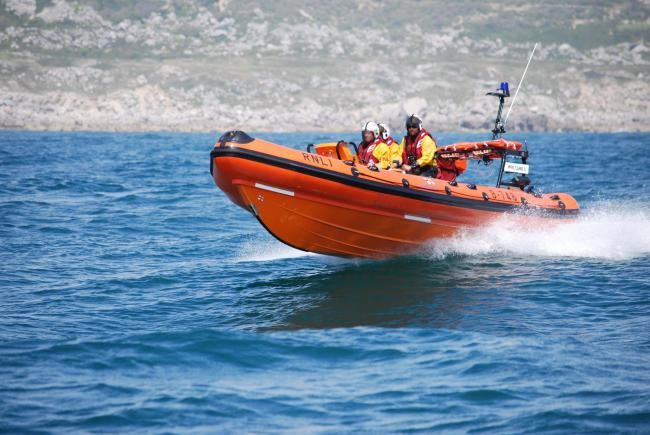 Lifeboats launched to rib boat on fire in Wareham