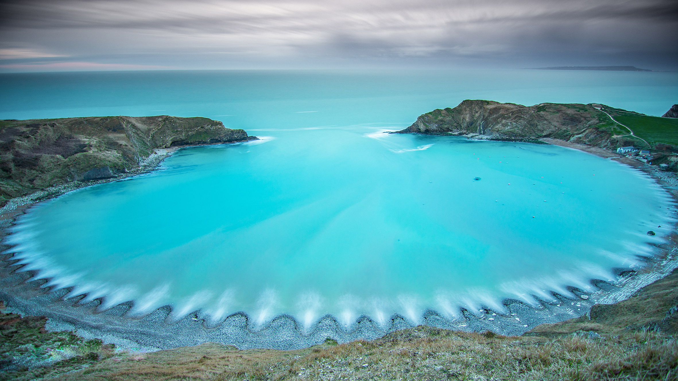 Pete Scott from the Echo Camera Club captured this image of  Lulworth  Cove capturing the incredible shape and colour of the cove..